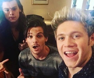 niall horan, one direction, and Harry Styles image
