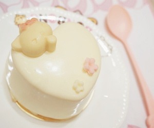 dessert, hello kitty, and sanrio image
