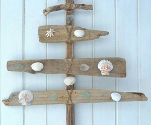 wallpapers, drift wood, and ;beach house decor image