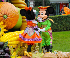 autumn, mickey mouse, and parade image