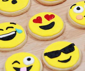 Cookies, food, and emoji image
