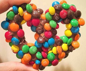 m&ms and pretzel image