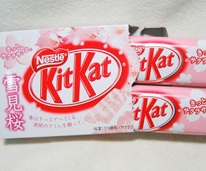 chocolate, kit kat, and pink image