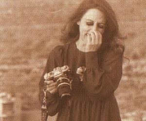 Queen, vintage, and fairouz image