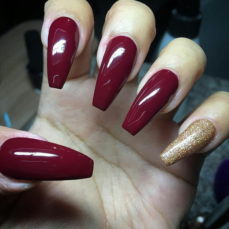 Red & gold nails discovered by Joni on We Heart It