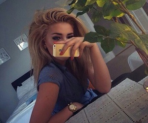 girl, iphone, and beauty image