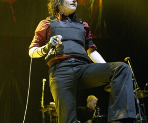 mcr and gerardway image
