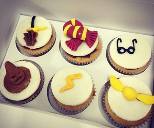cup cakes, gryffindor, and harry potter image