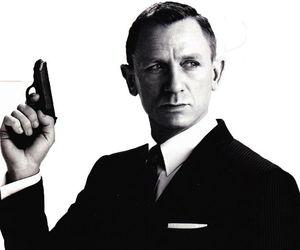 daniel craig and James Bond image
