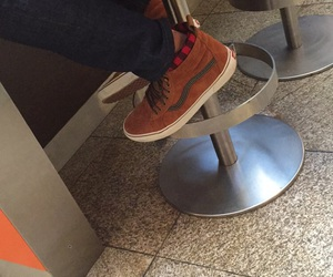boy, shoes, and vans image