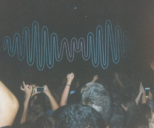 concert and arctic monkeys image