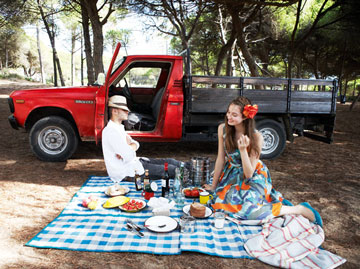 eating, outdoors, and picnic image