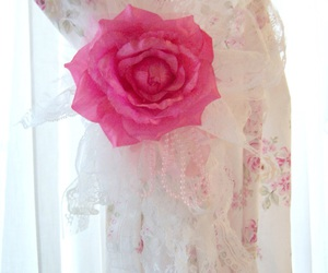 decor, pink, and shabby chic image