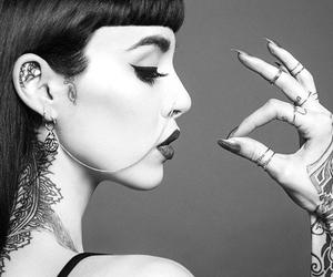 hannah snowdon and tattoo image