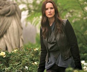 Jennifer Lawrence, katniss everdeen, and the hunger games image