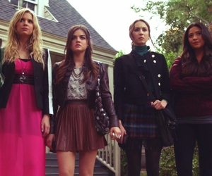 lucy hale, pll, and friends image