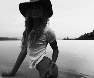 hailey baldwin, hat, and black and white image