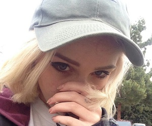 icon, nike, and blonde image