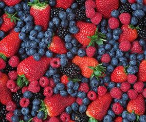 blackberries, bluberries, and strawberries image