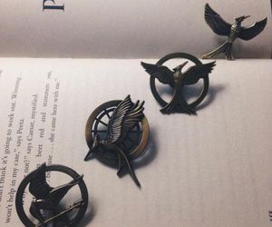 book, the hunger games, and mockingjay image