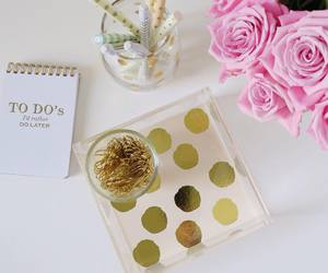 chic, desk, and flowers image
