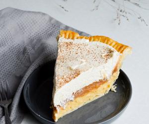 apple, crust, and desserts image