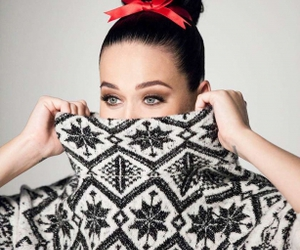 katy perry and H&M image