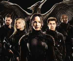 the hunger games, mockingjay, and hunger games image