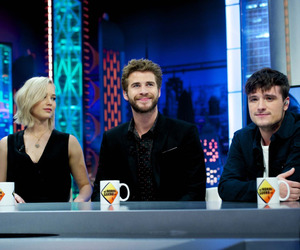 Jennifer Lawrence, liam hemsworth, and mockingjay image