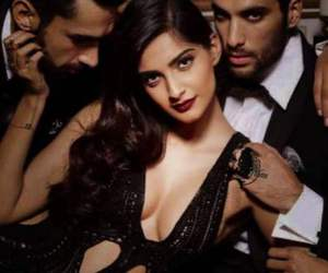 Hot and sonam kapoor image