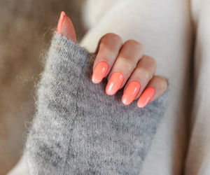 nails and oval image