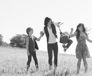 kellin quinn, family, and sleeping with sirens image