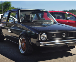 car and VW Golf image