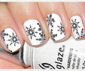nails and winter image