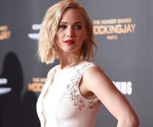 books, heroine, and Jennifer Lawrence image