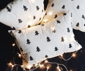 christmas, light, and pillow image