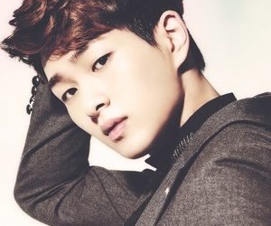SHINee, Onew, and kpop image