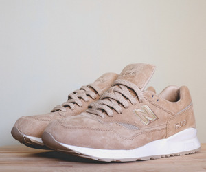 shoes and new balance image