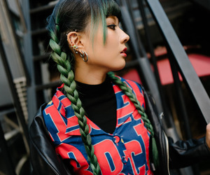 fashion, female, and green hair image