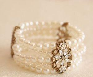 bracelet and jewellery image
