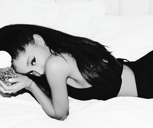 photoshoot, singer, and arianator image