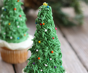 bread, dessert, and christmas tree image