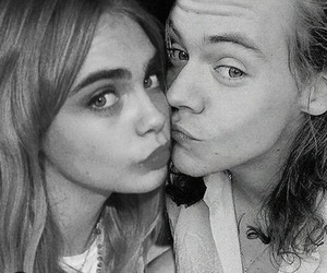 hara, cara delevingne, and Harry Styles image