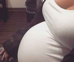 pregnant, baby, and kim kardashian image