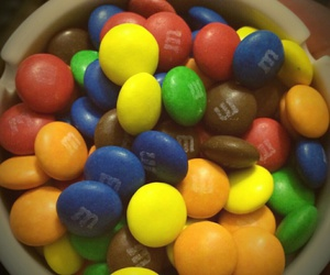 candy, m&m, and colorful image