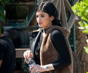 kylie jenner, body, and make up image