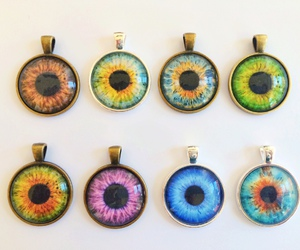 eyes and jewelry image