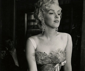Marilyn Monroe, black and white, and beautiful image
