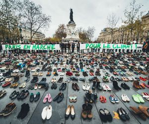 place de la république, marche pour le climat, and paris image
