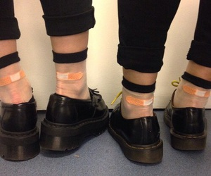 'shoes', 'black', and 'fashion' image